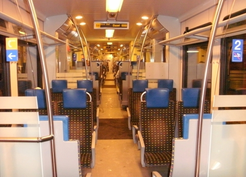Triebzug_Typ_Stadler_Flirt_(SBB-Baureihe_RABe_521)_Innenaufnahme_(Wiesentalbahn_S6)