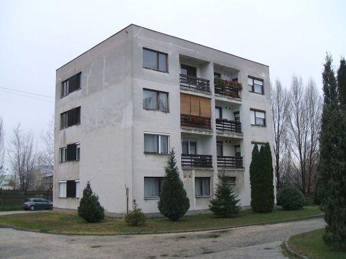 1024px-Dorog-housing_estate