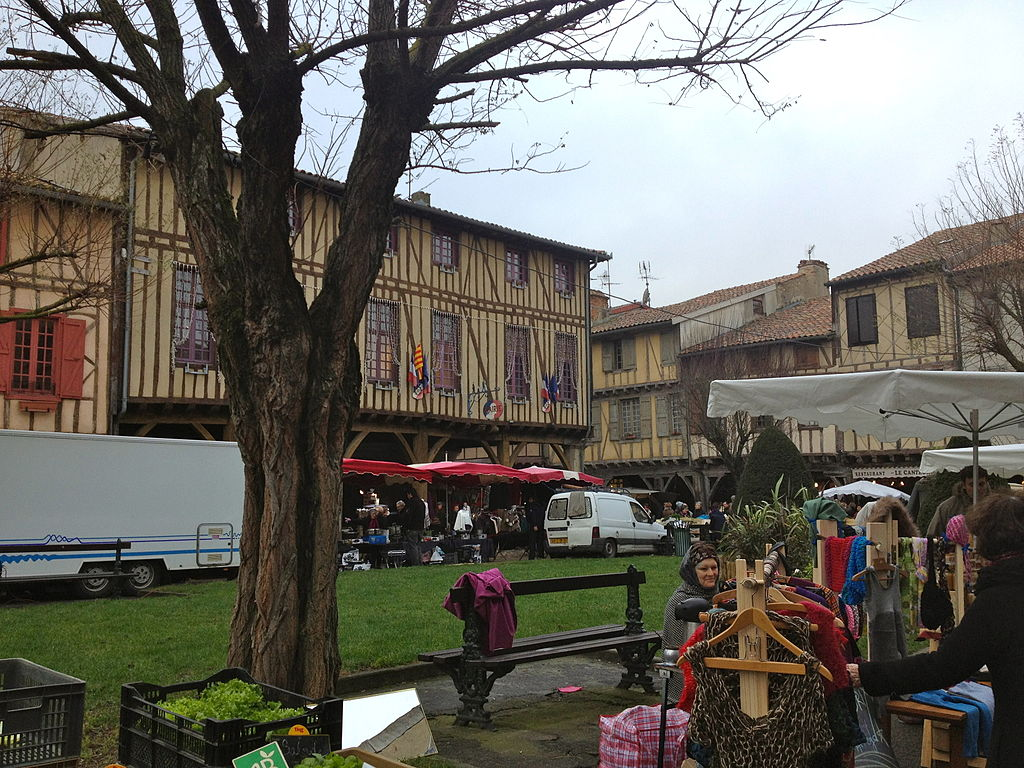 1024px-Mirepoix_on_Market_day