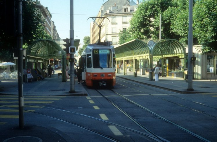 Genve--genf-tpg-tram-708123.jpg