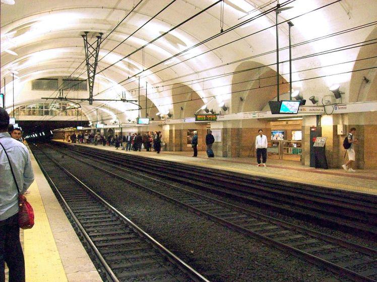 1024px-2013-04-25_roma_termini_metro_b