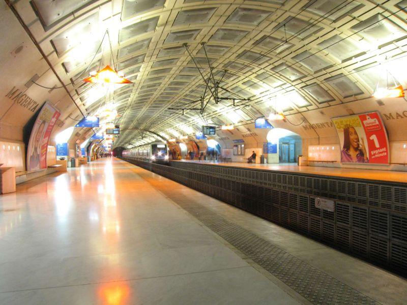 800px-rer-e-station-magenta