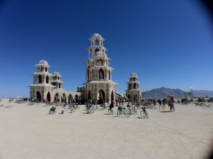 1280px-Burning_Man_2011_Victor_Grigas_temple_IMG_4651