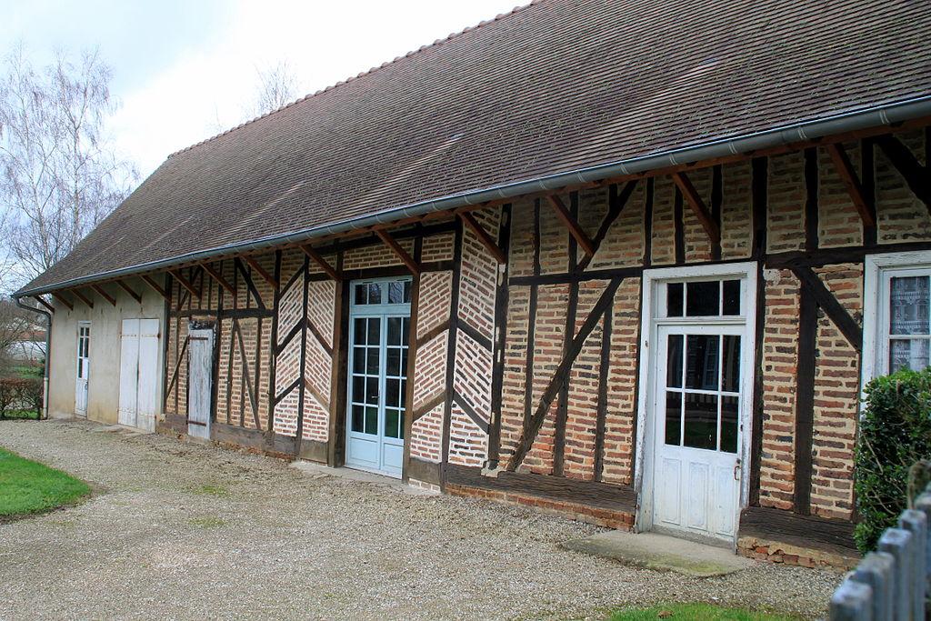 1024px-la_chapelle-saint-sauveur_gite