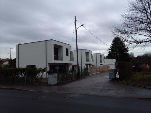 villas cubes blancs