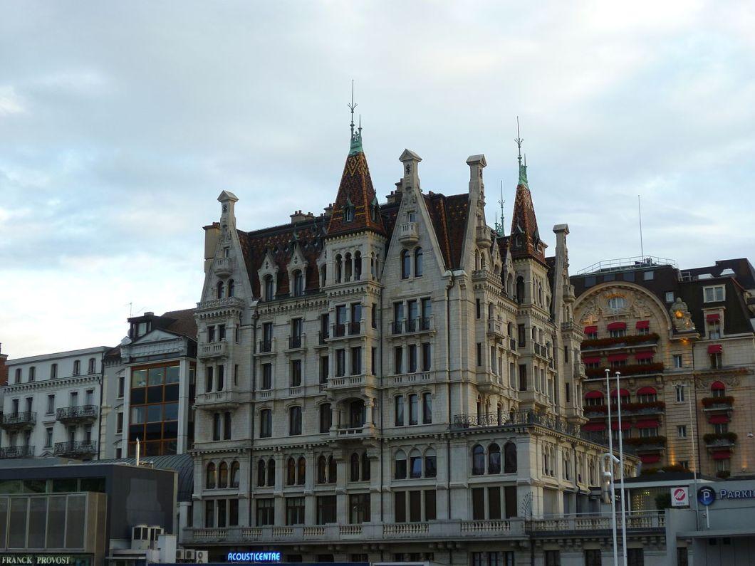 1280px-immeuble_d27habitation_et_de_bureau2c_lausanne