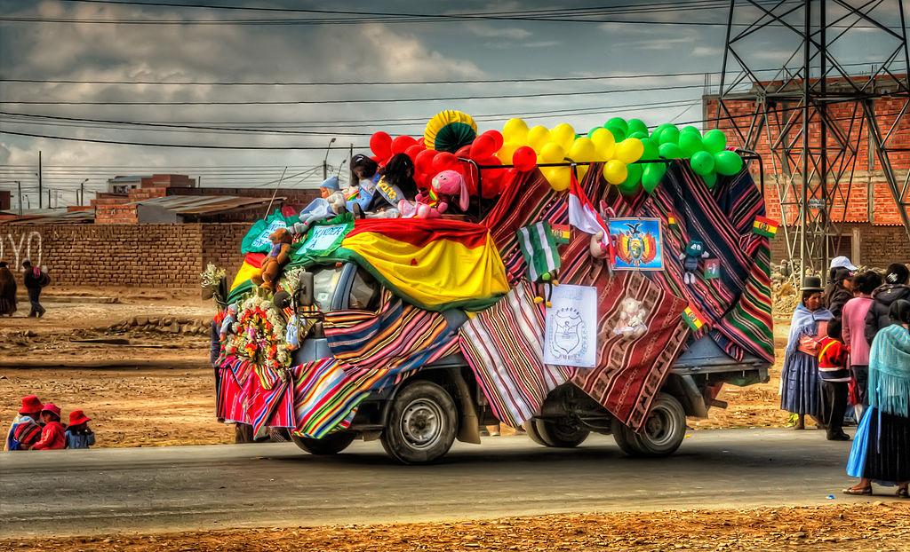 1024px-el_alto_parade2c_bolivia_28412915492529