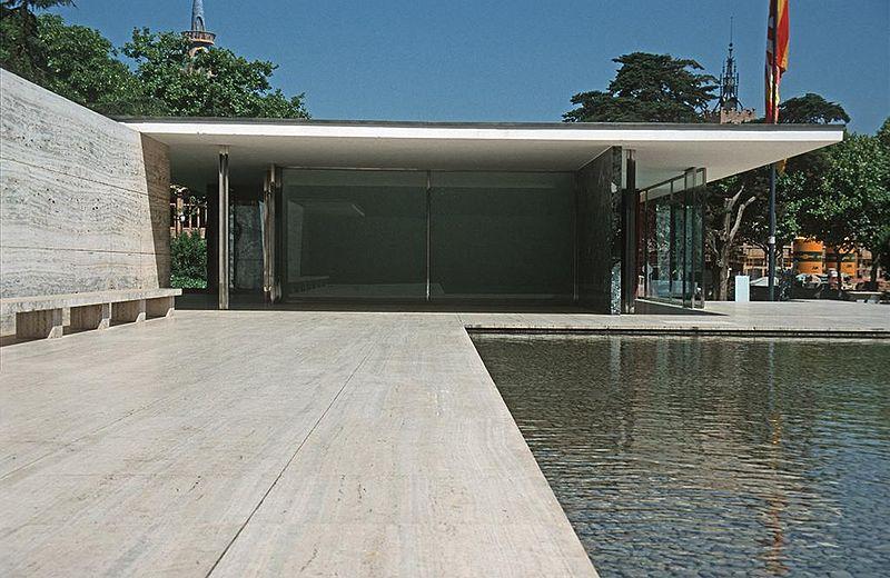 800px-Barcelona_mies_v_d_rohe_pavillon_weltausstellung1999_02