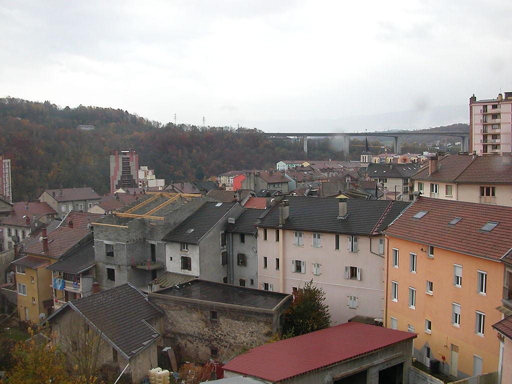 1024px-bellegarde-sur-valserine_panorama