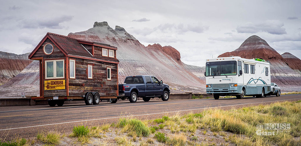 1024px-tiny_house_giant_journey_in_the_petrified_forest_and_an_rv