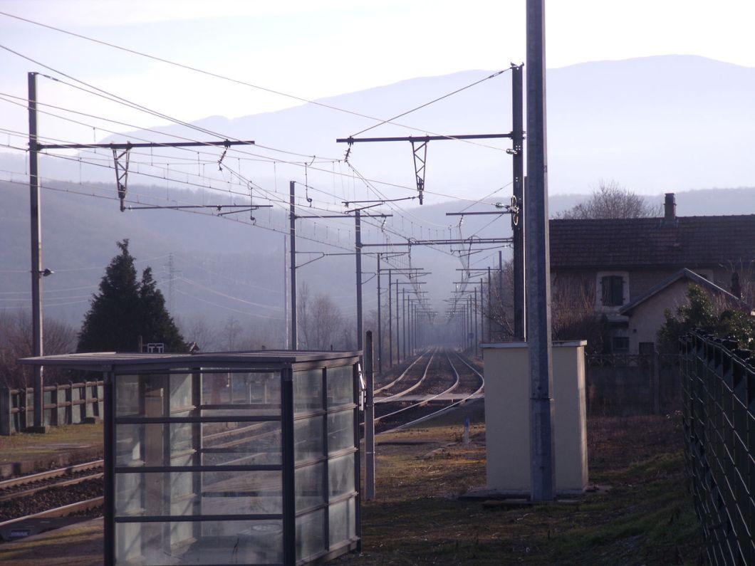 1280px-pougny-chancy_station