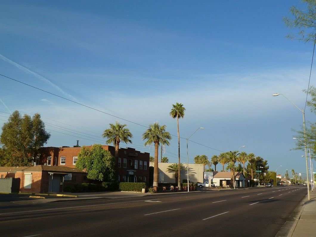 1280px-phoenix2c_az2c_view_sw_mcdowell_road_and_third_avenue2c_2012_-_panoramio