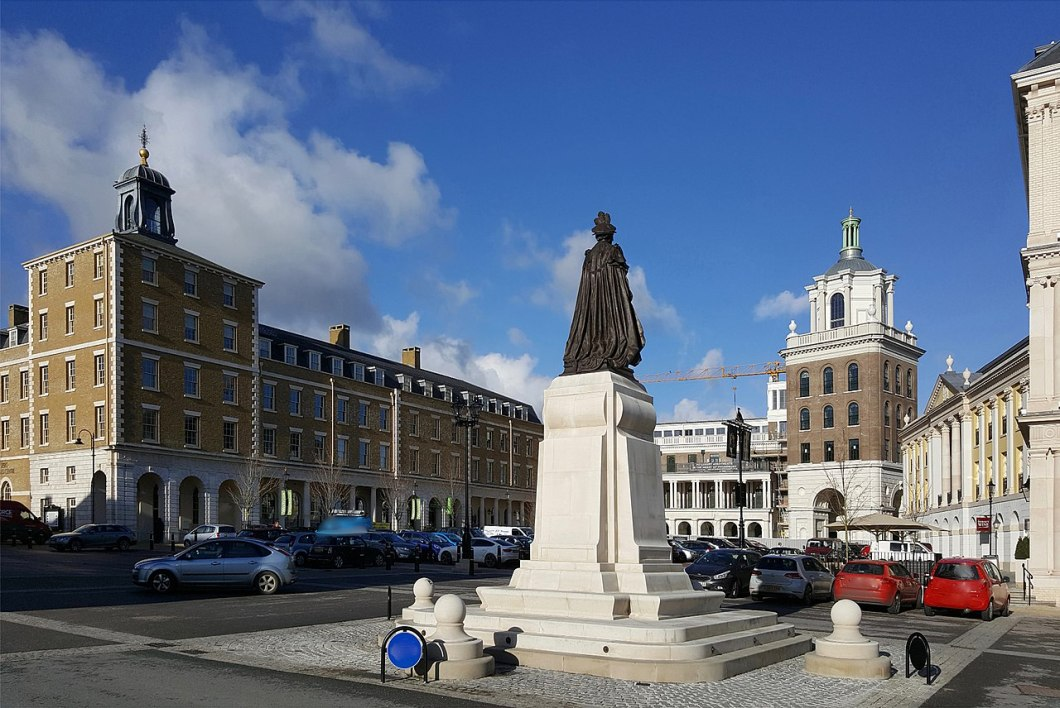 1280px-queen_mother_square2c_poundbury2c_dorset