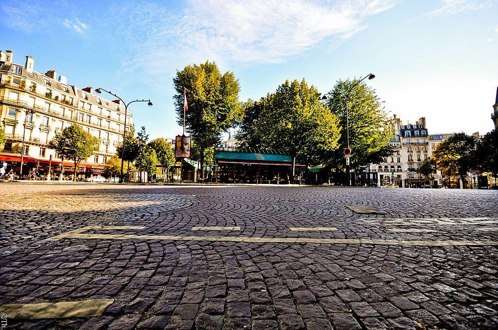 1024px-place_des_ternes2c_paris_august_2011