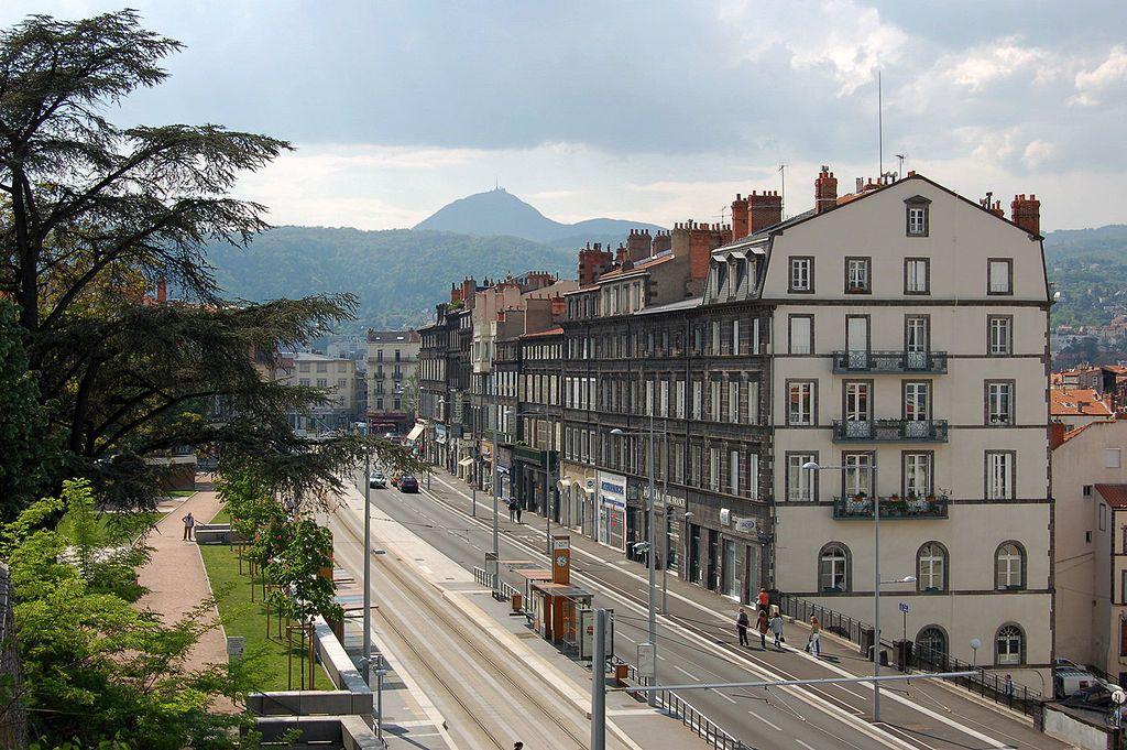 1024px-rue-montlosier-clermont