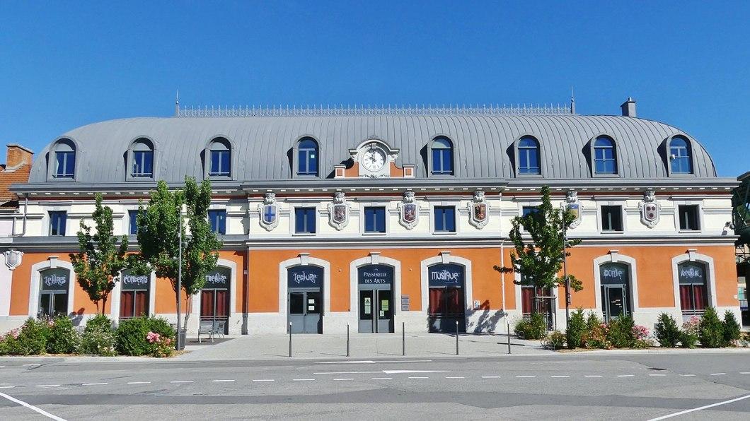 1280px-gare_de_bellegarde_historique_rc3a9habilitc3a9e_28201729